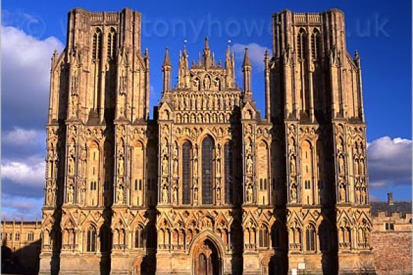 The wonderfull Wells Cathedral is a great place for families and school trips