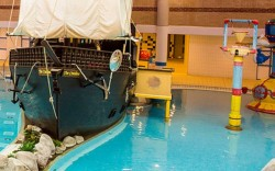 Kids Days Out Bracknell showing swimming pool with galleon